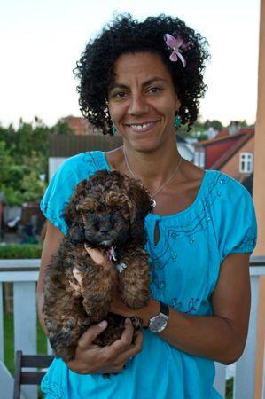 Er det hunden der skal ligne ejeren eller omvendt? Well, her er Bella!