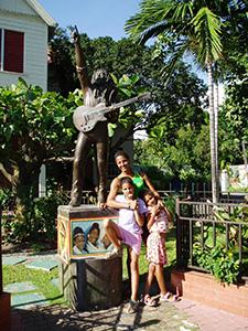 Yndlingsdøtrene hjemme hos Bob M.