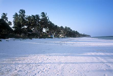 Vældig bred strand, især når det var lavvandet, så blev den 4 km bredere.