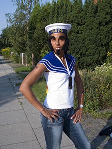 Skipper Stardust på vej til fest i sømands-foreningen (Halv tolv, hos søulken Jeanet).