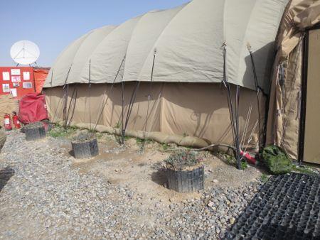 Vores Hesco-nøgne telt.