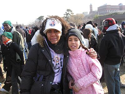 Rockerkoldt i DC, Molly og jeg forsøger at lade som om, at det da er okay at stå i den forkerte ende af The Mall.