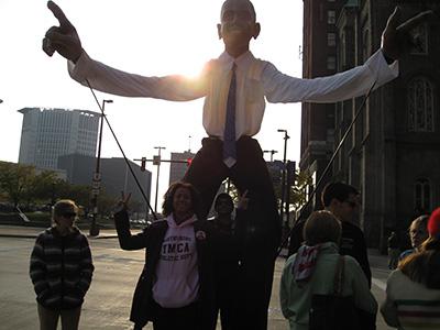Det er rigtigt hvad de siger, han er pænt høj når man står helt tæt på ham ;o)