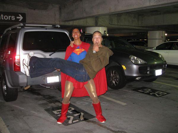 16. Gys, Superwoman, flødeboller og klan-kåber med kønsbehåring.
